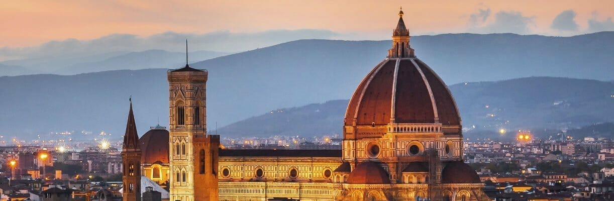 Sono Giulia Bacci, Guida Turistica a Firenze, e posso accompagnarvi attraverso visite guidate a Firenze scoprendo i suoi luoghi d'arte, i suoi musei e la sua storia, con uno sguardo alle sue tradizioni ed alla sua cucina.