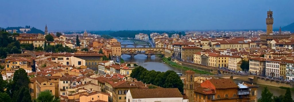Firenze Guida, suggerimenti di qualità per dormire e mangiare a Firenze. Qualità, cortesia, simpatia, professionalità. Sia in città che immediatamente fuori.