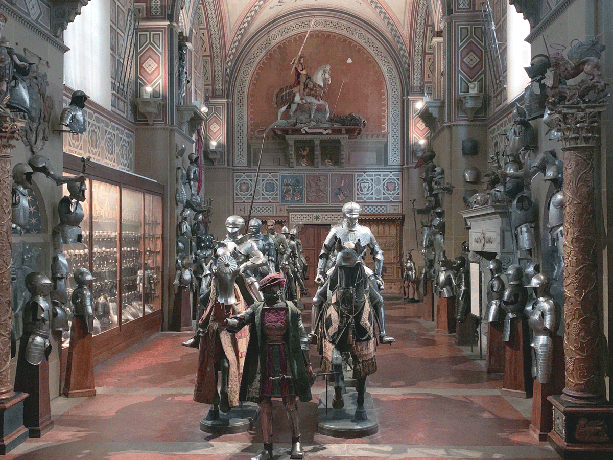 Questa grandissima sala (è lunga venti metri) servì a Frederick Stibbert per unire la villa della mamma Giulia col suo museo. E' un grandioso effetto scenografico, un vero salto nel tempo che lo impiega che tutta la vita.