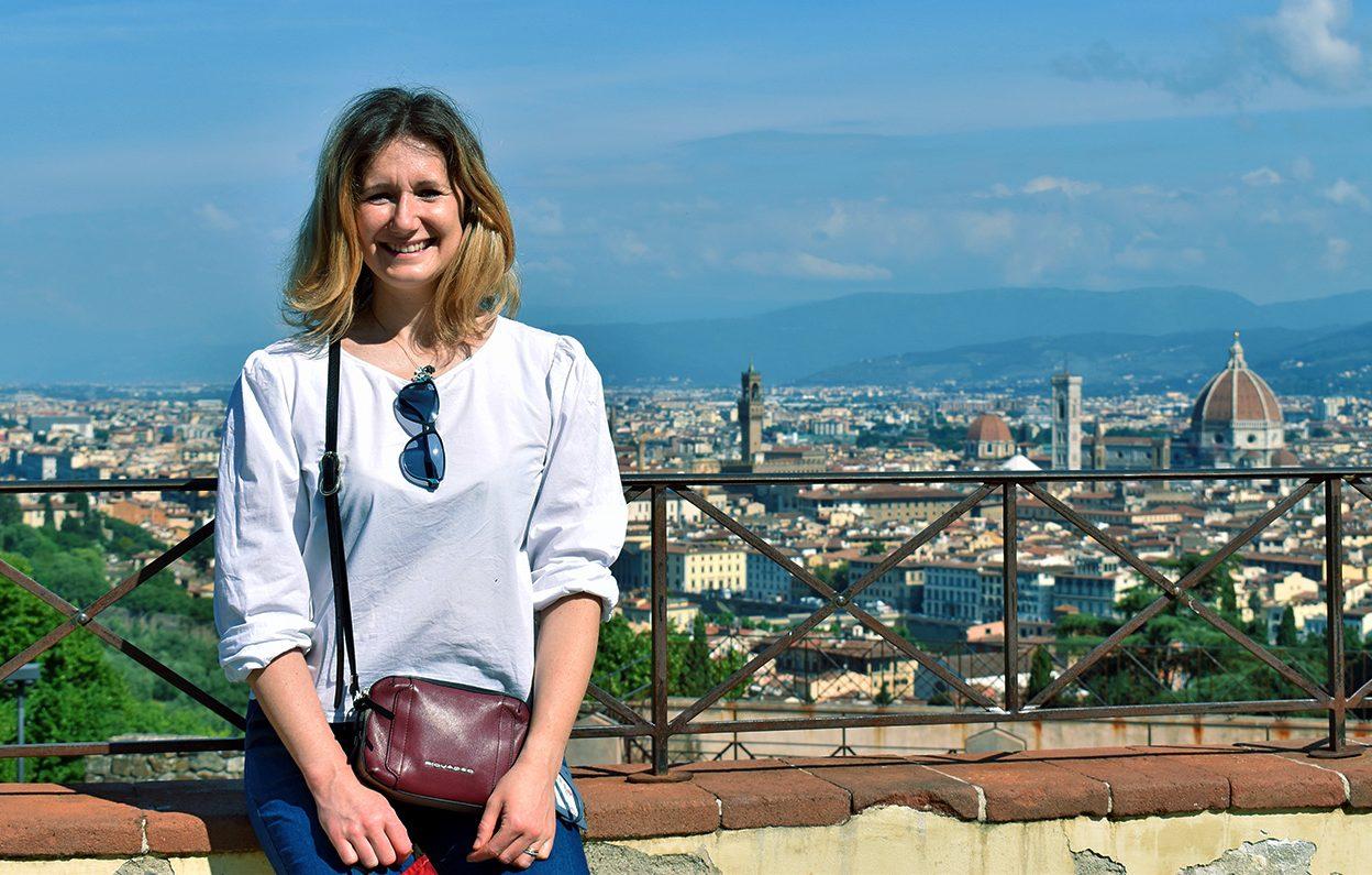 Giulia Bacci, storico dell'Arte, è guida turistica per Firenze e provincia in italiano, inglese e francese. E' disponibile per accompagnare piccoli e grandi gruppi in una visita guidata di Firenze.