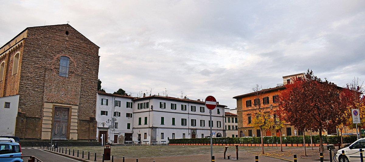 La Piazza del Carmine con la Basilica di Santa Maria del Carmine e la Cappella Brancacci