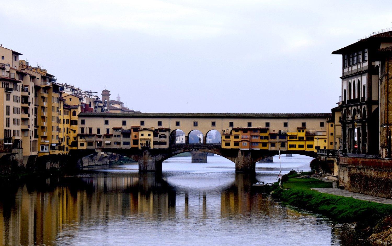 Ponte Vecchio visto dal Ponte alle Grazie a Firenze