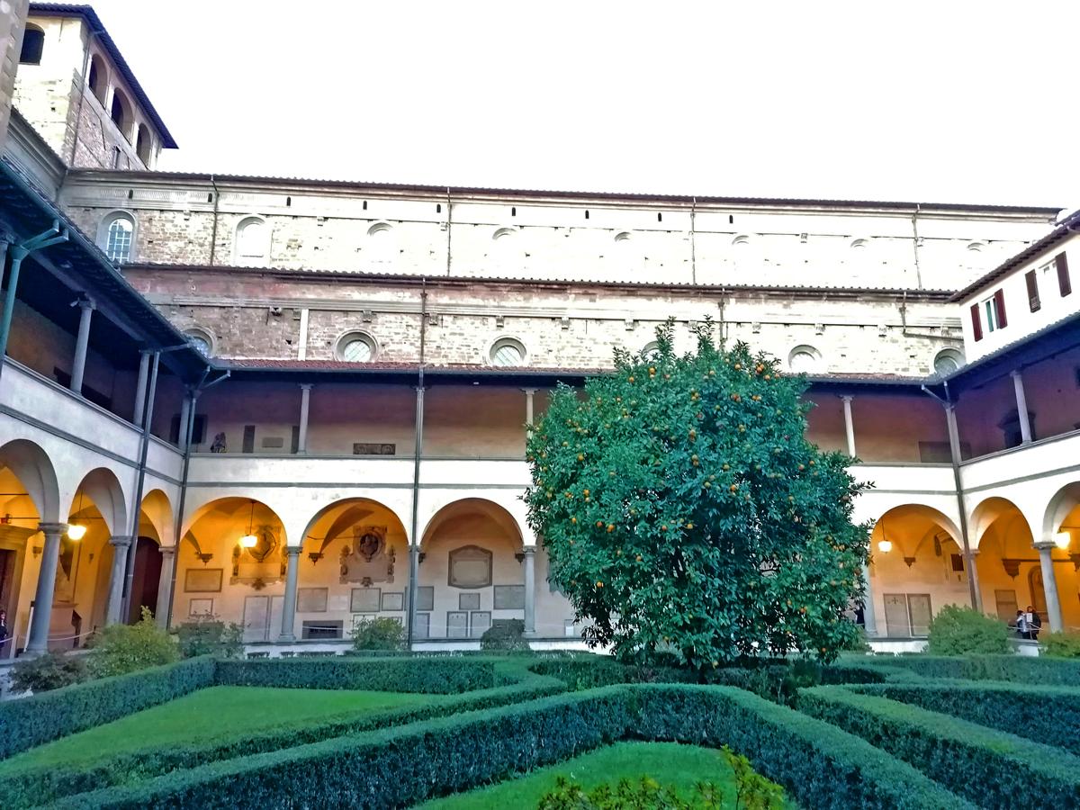 Il Chostro dei Canonici in San Lorenzo