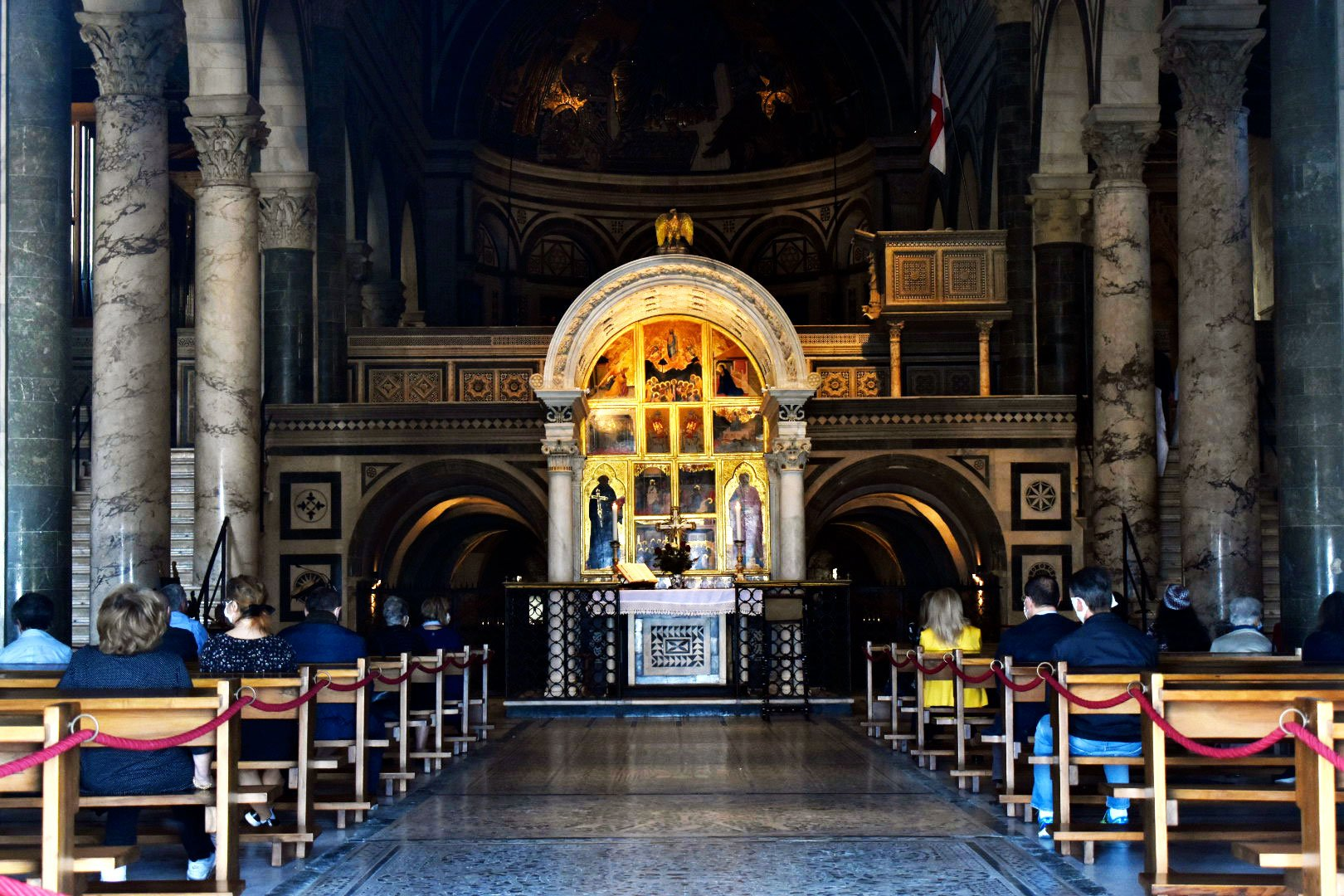 L'interno della Basilica di San Miniato al Monte