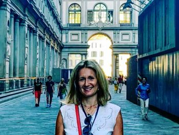 Your Uffizi Gallery Guided Tour in English with a licensed tour guide in Florence. A personalized guided tour discovering one of the most beautiful museum in the world.